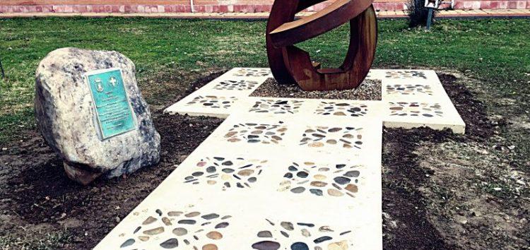 Culminada la decoración del entorno del monumento a los Donantes de Sangre